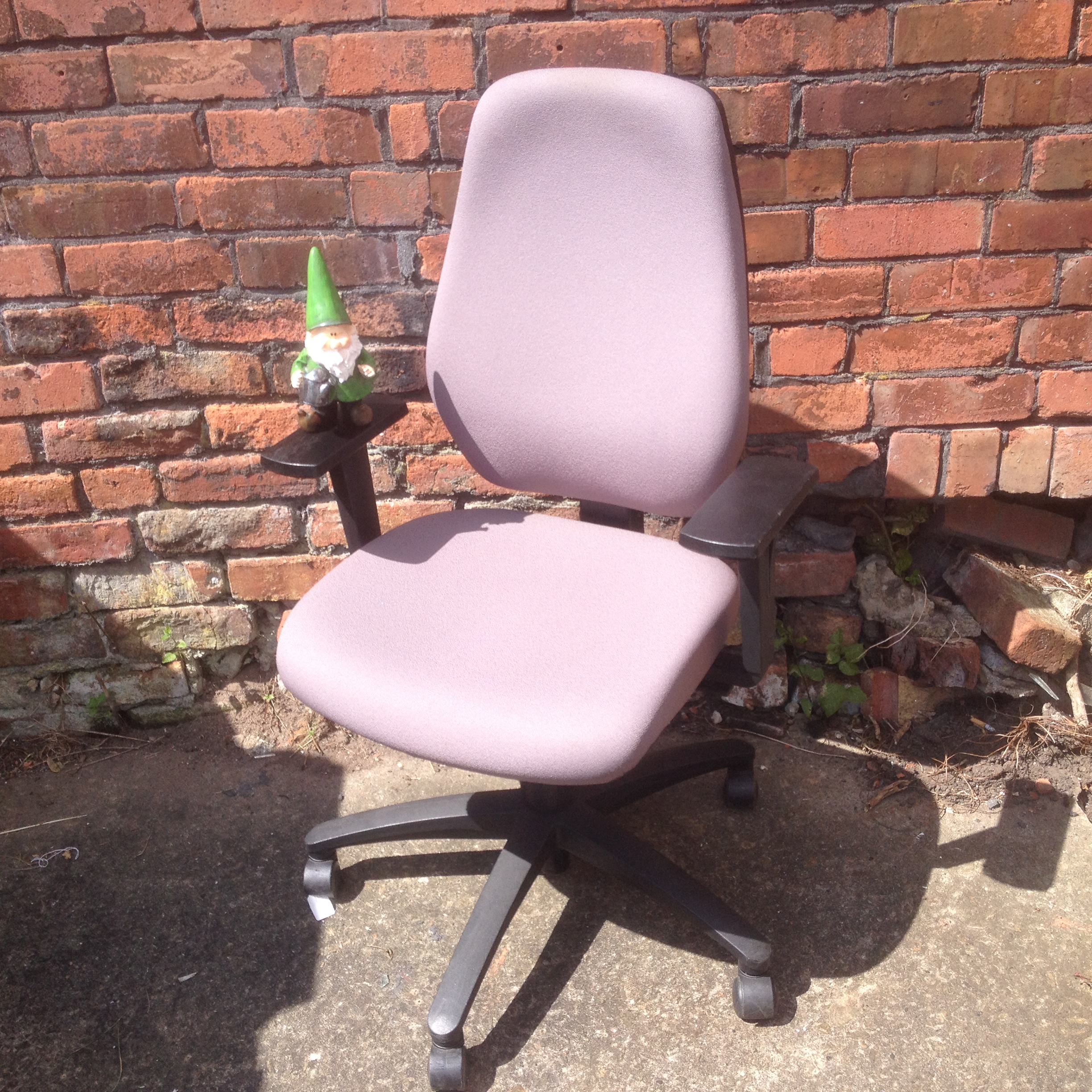 dauphin operator chair with adjustable arms city used office