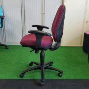 Operator Chair Medium Side Shot