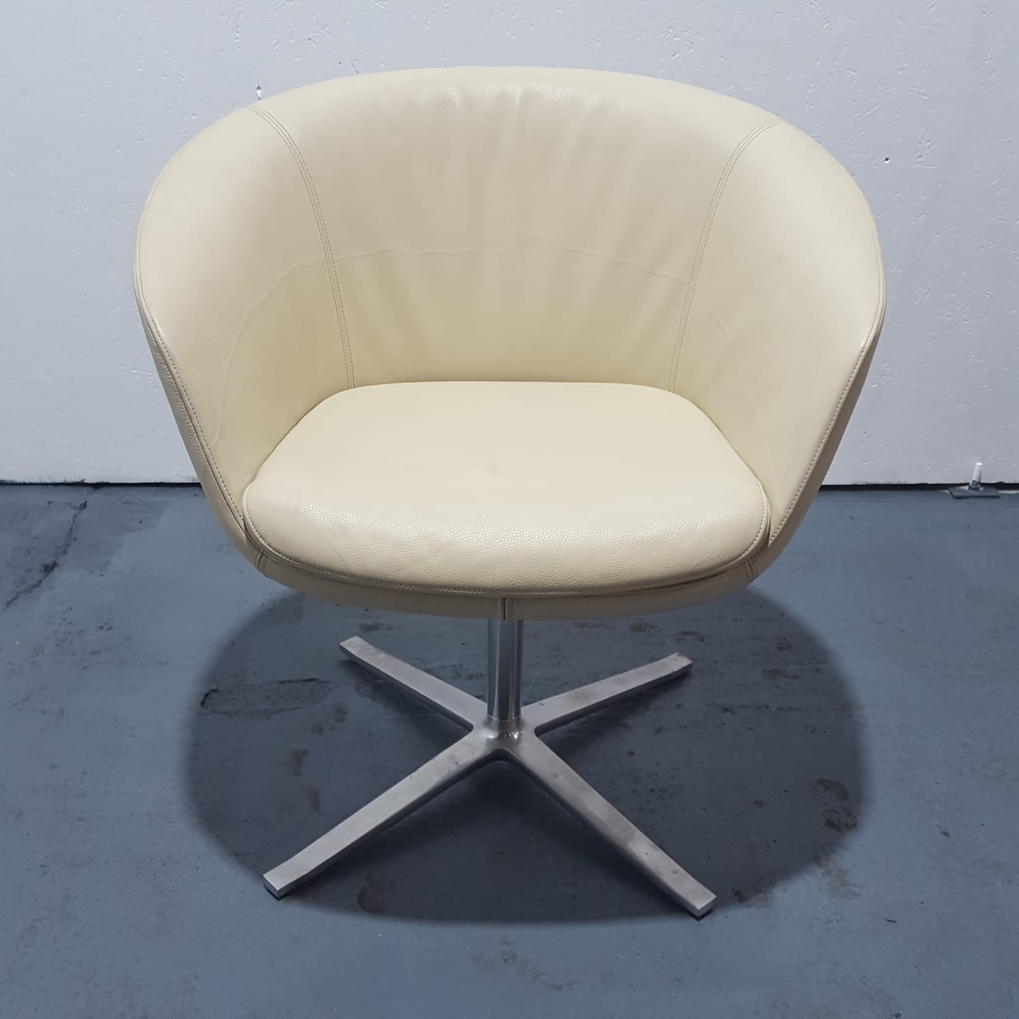 Used Walter Knoll Tub Chair Swivel Base Real Leather Ivory Ebay