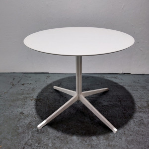 Used Pedrali Round White Meeting / Dining Table W870mm
