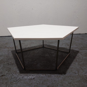 Used Frovi Pentagon Shape White Coffee Table, Chrome Wire Legs