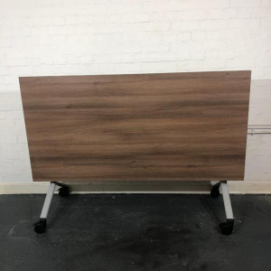 Used Verco Endurance Mobile Fliptop Table, Walnut, Width 1600mm