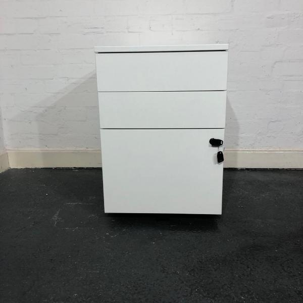 Used White Wooden Mobile Desk Pedestal, 3 Drawer, Lockable