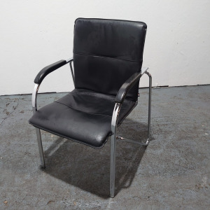 Used NowyStyl Meeting Chair, Four Legged Frame, Real Leather, Black