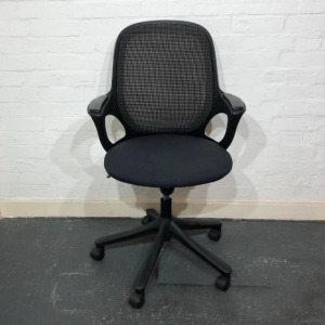 Used Verco Salt 'N Pepper Task Chair, Mesh Back, Armrests, Graphite