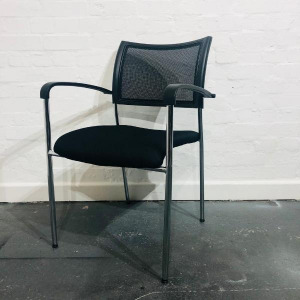Used Mesh Back Meeting Chair, Four Legged Frame, Stackable, Black