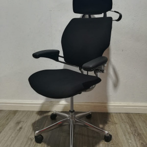 Used Humanscale Freedom Executive Office Chair, Headrest, Coat Hook
