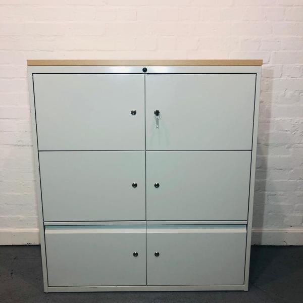 KI 6 Compartment Locker With 2 Keys For Each Locker, Oak Top (New)